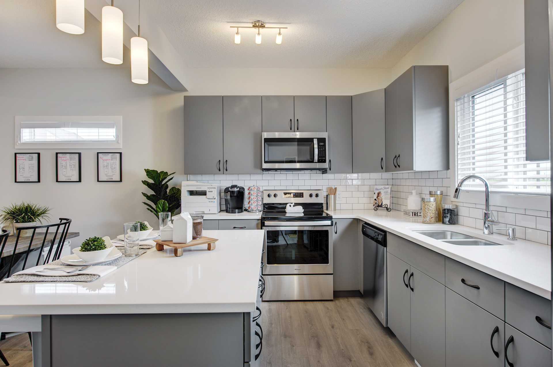 Wolf-Willow-Calgary-Look-Townhome-Kitchen